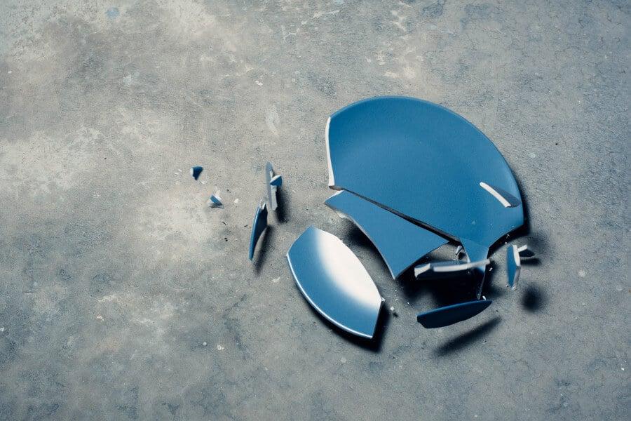 broken plate self sabotage